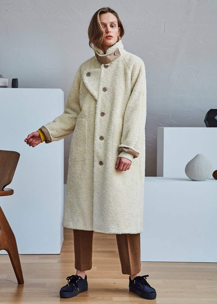 HIGH-NECK SHEARLING COAT_IVORY