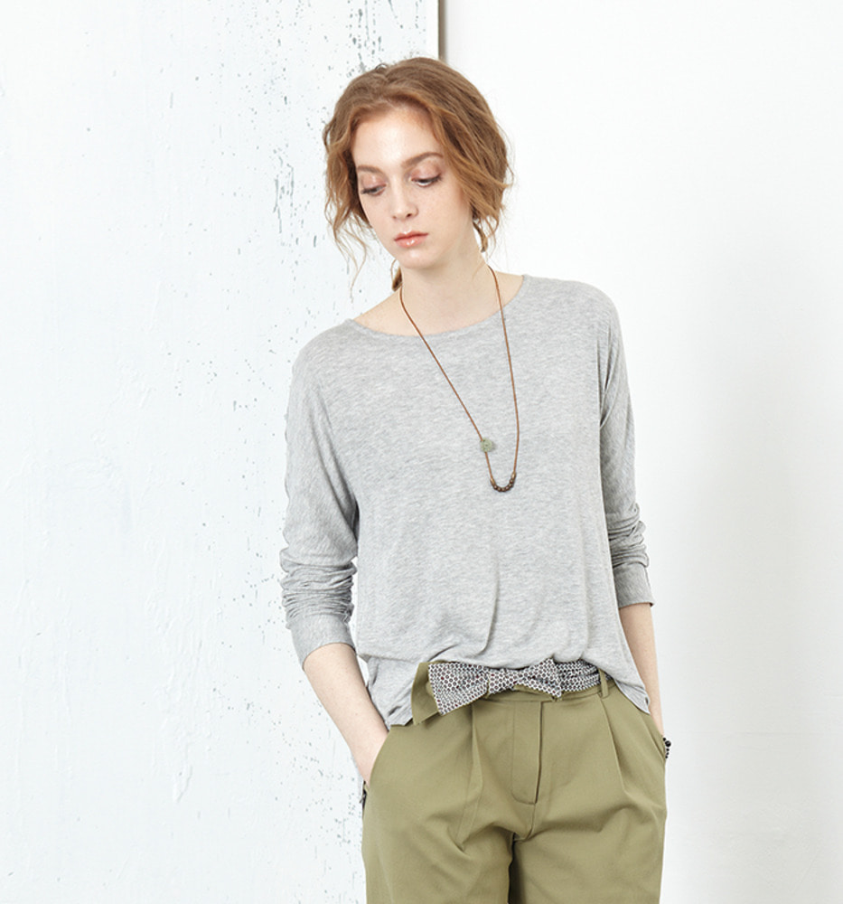 BACK WING KNIT TOP.15