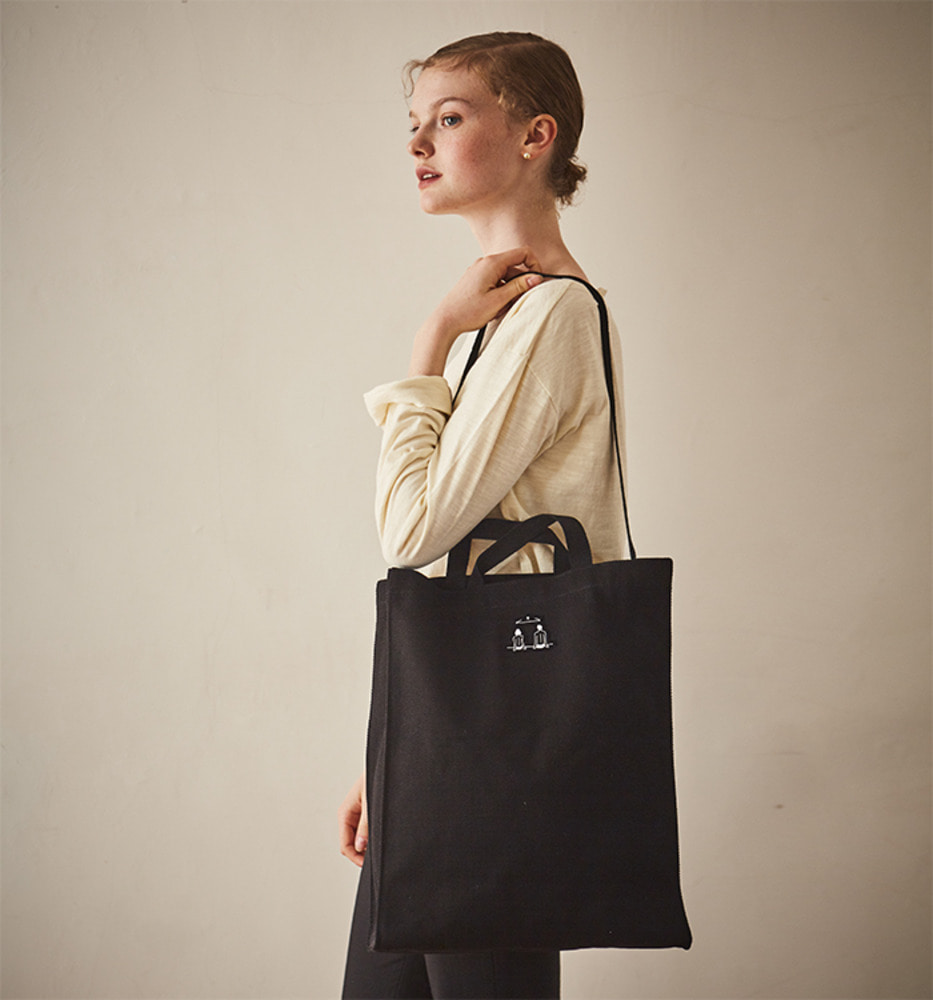 LOVER'S STREET POINT LONG SQUARE CANVAS BAG