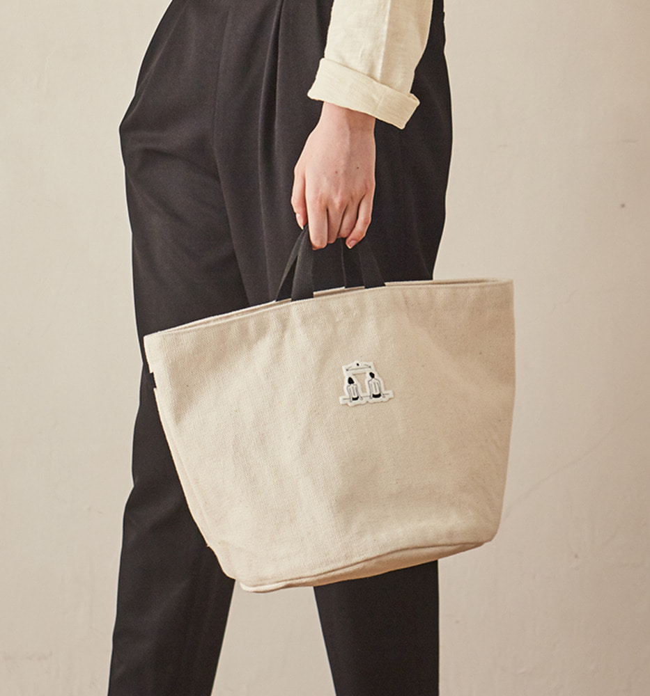 LOVER'S STREET POINT ROUND CANVAS BAG_Ivory