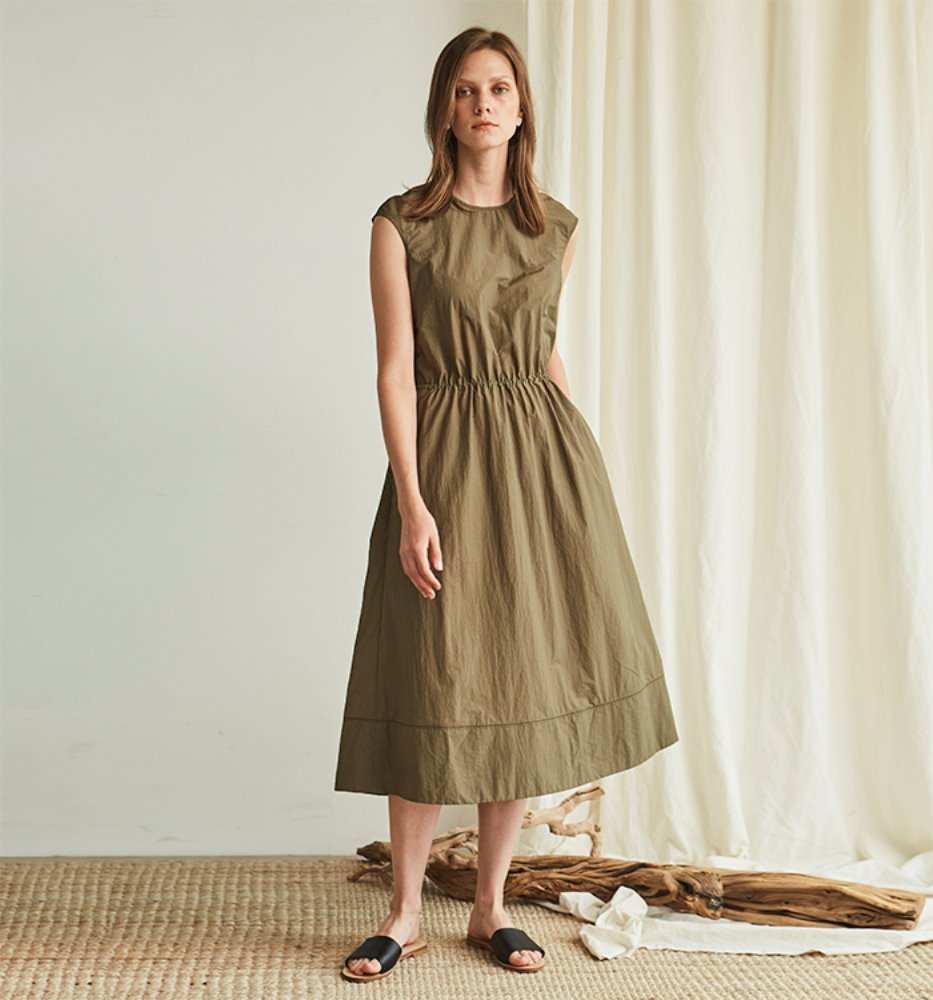 BACK POINT STRING DRESS_KHAKI