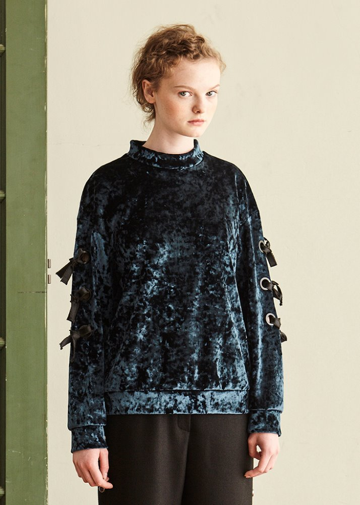 EYELET POINT VELVET TOP_GREEN
