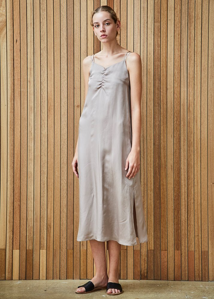 FEM SLIP DRESS_BEIGE