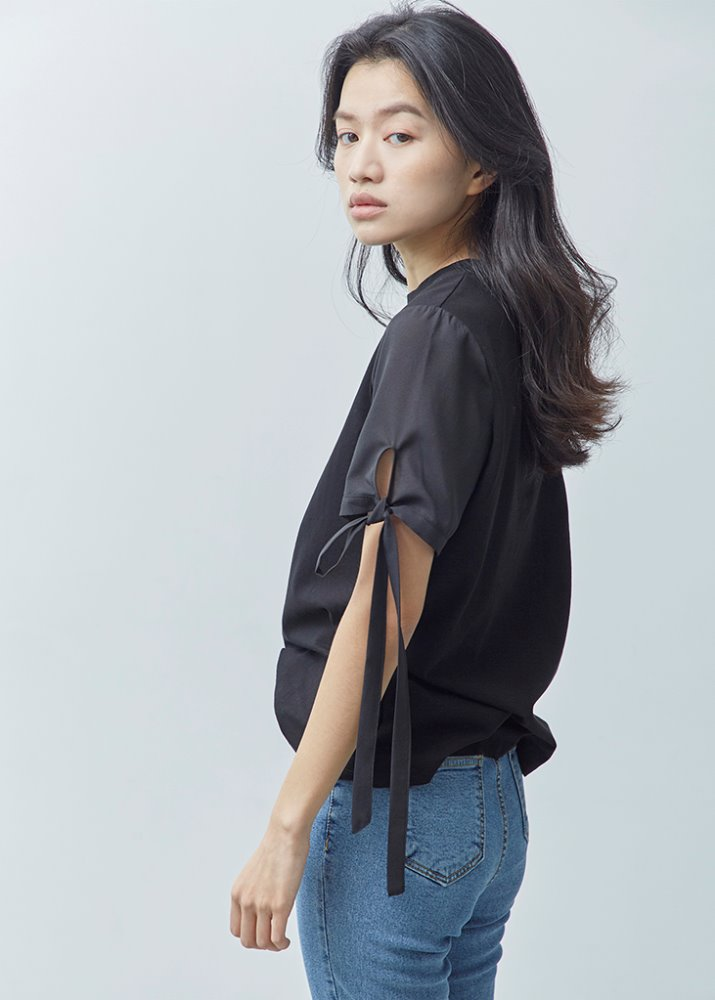RIBBON SLEEVE TOP_BLACK