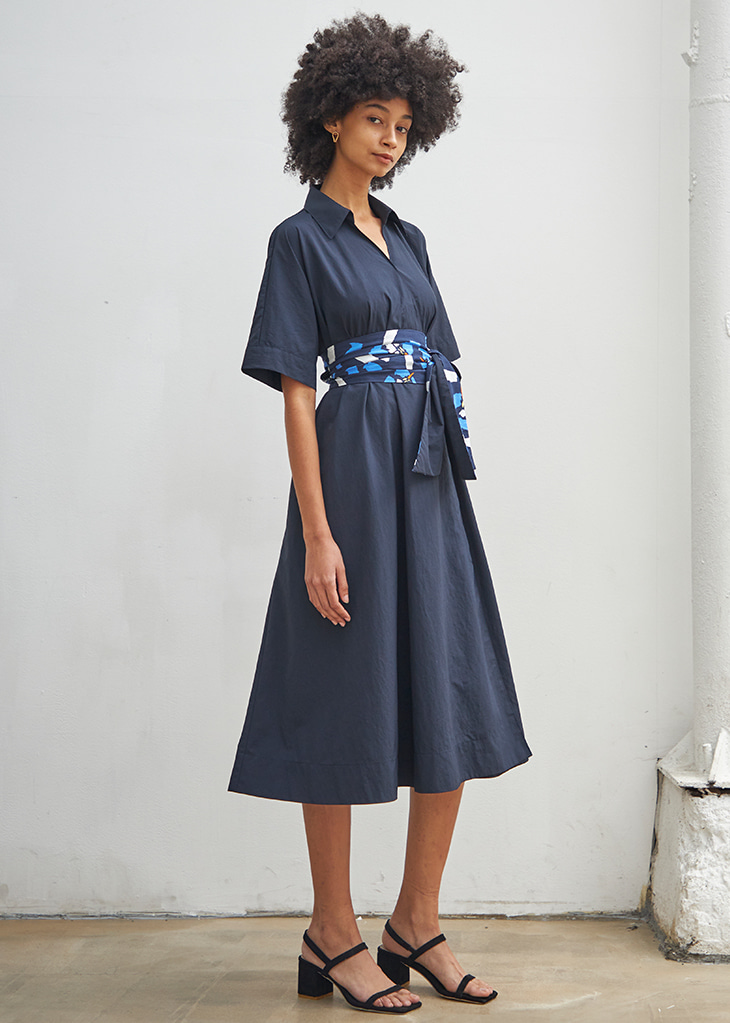 [4월20일 예약배송]FLORAL BELTED SHIRT DRESS_NAVY