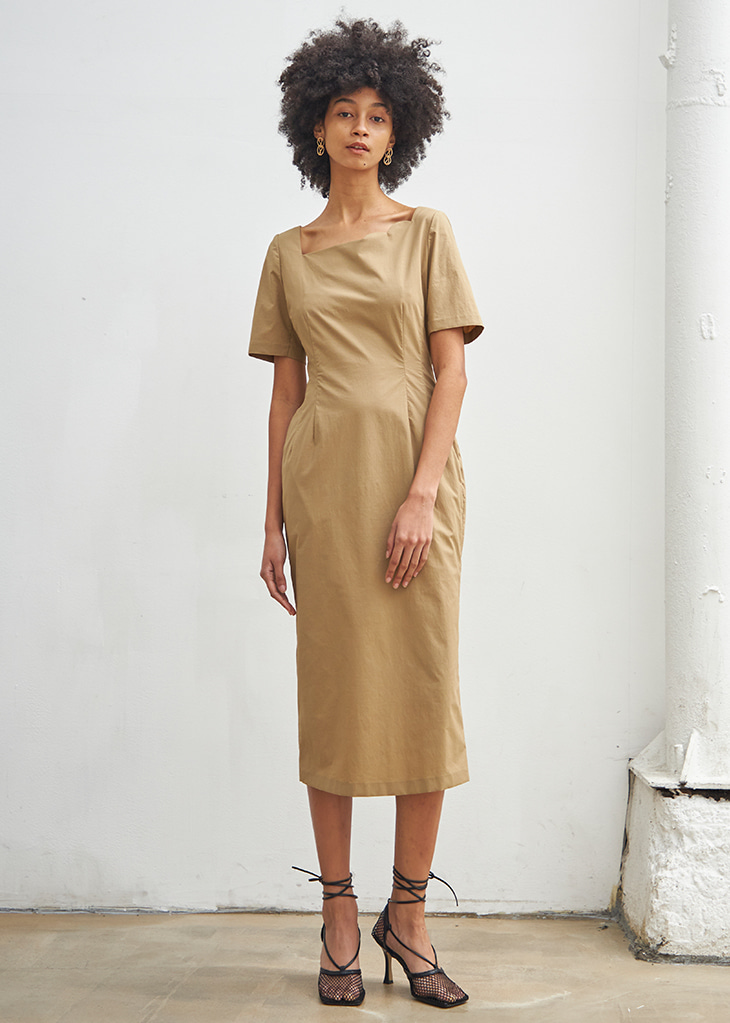 SECOND HALF MOON NECK DRESS_BEIGE